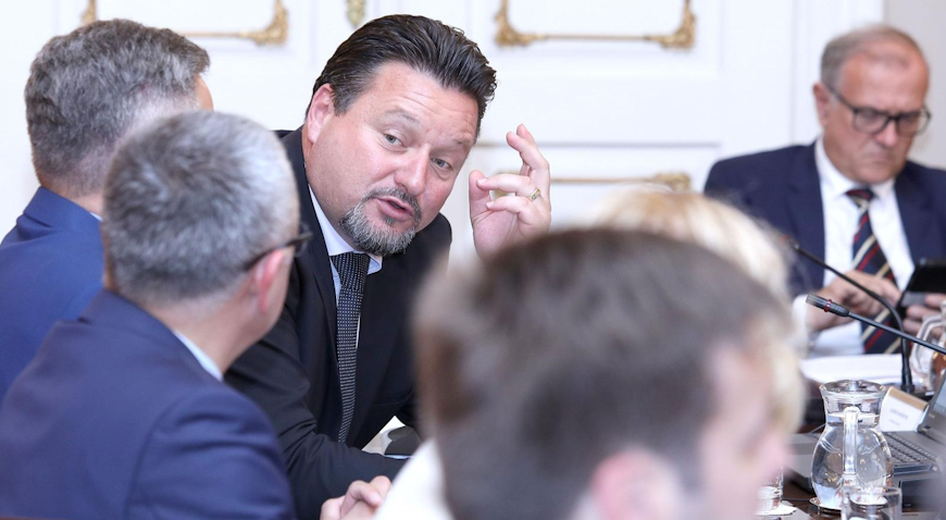 Lovro Kuščević napušta mjesto ministra – Premijer Plenković prihvatio ostavku