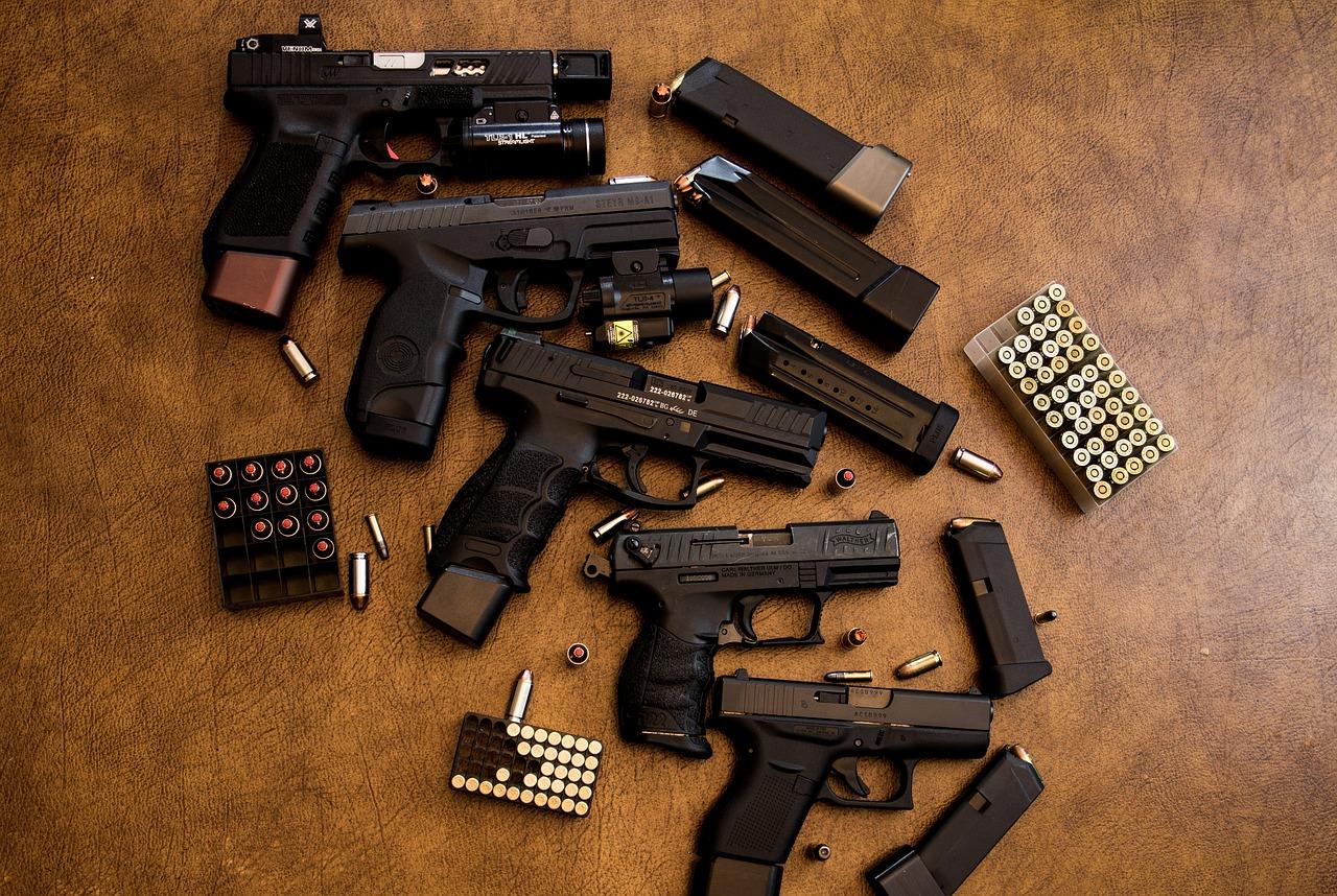 Pucajući na mačke kod muškarca iz Brčevca pronađena nevjerojatna količina oružja i eksplozivnih tvari