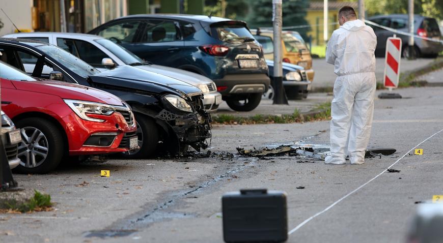 U Dugavama eksplodirao BMW