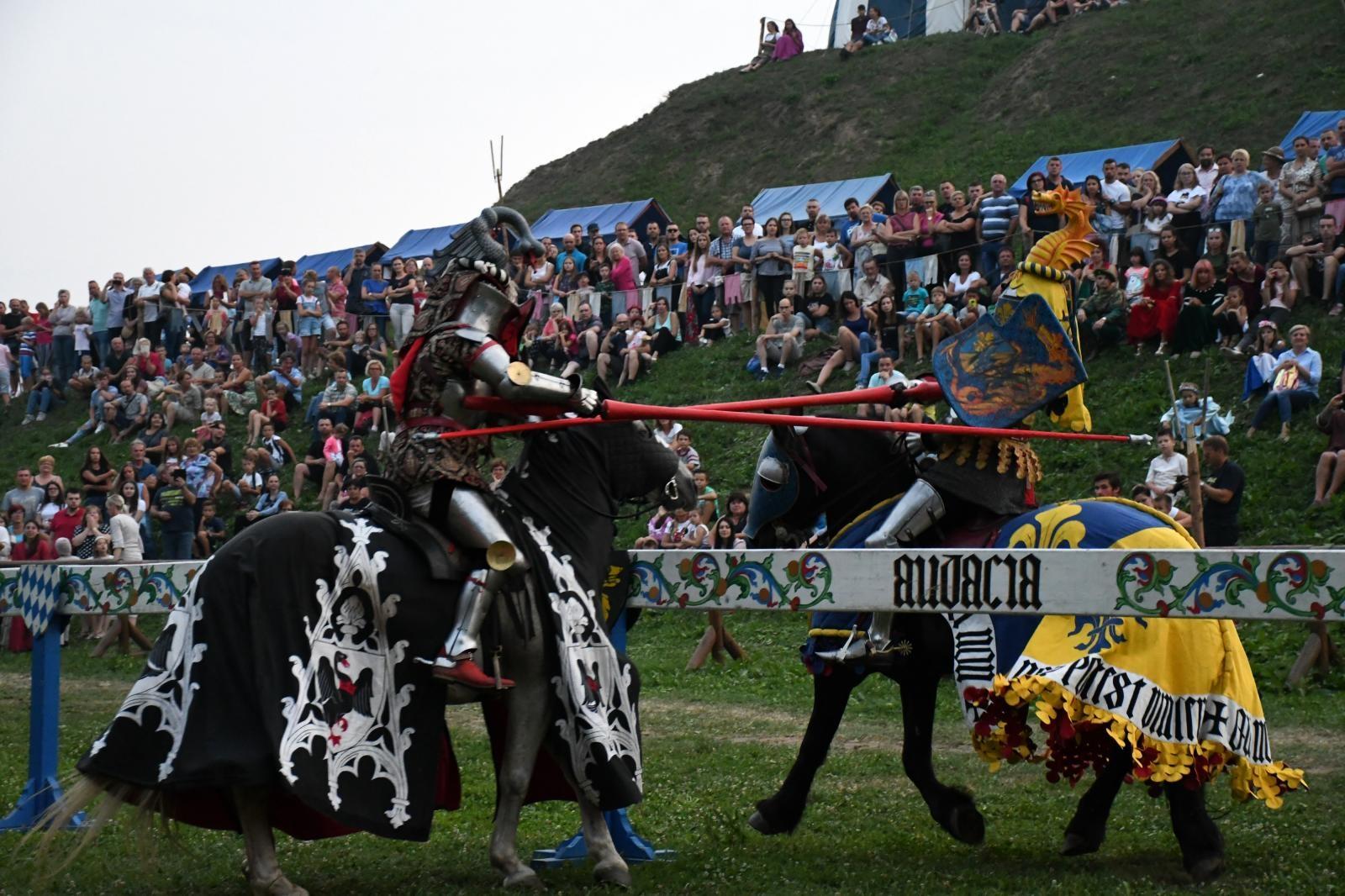 VIDEO: Viteški turnir očarao posjetitelje Renesansnog festivala u Koprivnici