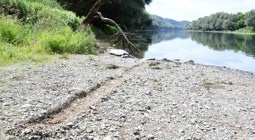 Kombi s migrantima sletio u rijeku Kupu – vozač u bijegu, preminula jedna osoba