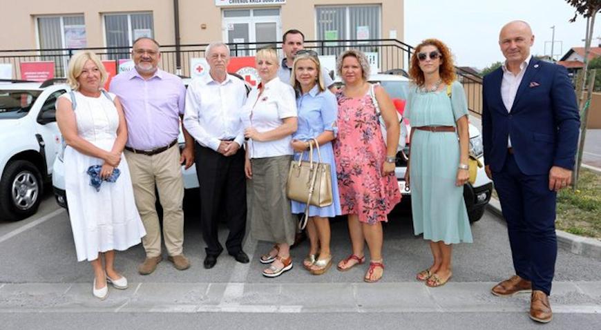 """Donacijom šest automobila Županija poduprla projekt """"Zaželi"""""""