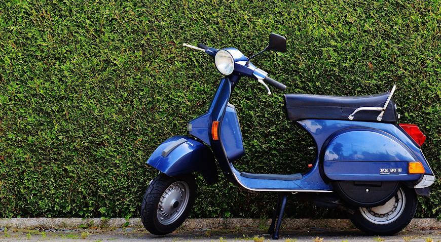 NESREĆA U JAKOVLJU – Mopedom sletio u odvodni kanal
