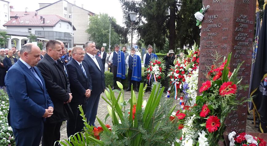 FOTO: U Zaprešiću po prvi puta obilježen Dan branitelja
