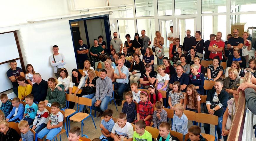 U školske klupe sjelo 175 svetonedeljskih đaka prvaka