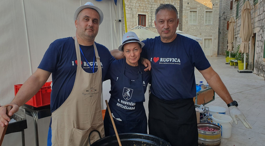 Rugvički majstori od kuhače