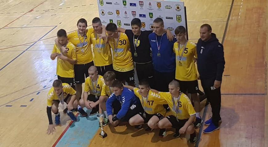 Rugvički rukometaši prvenstvo otvorili s dvije pobjede, mlađi kadeti drugi u Valpovu