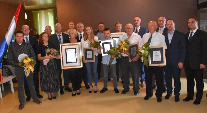 FOTO: Slavko Klepec i Vinko Bašić dobitnici Nagrade za životno djelo Općine Klinča Sela