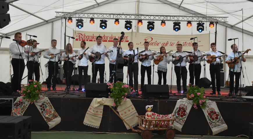 Tamburaški orkestar Glazbene škole Dugo Selo otputovao u Kinu