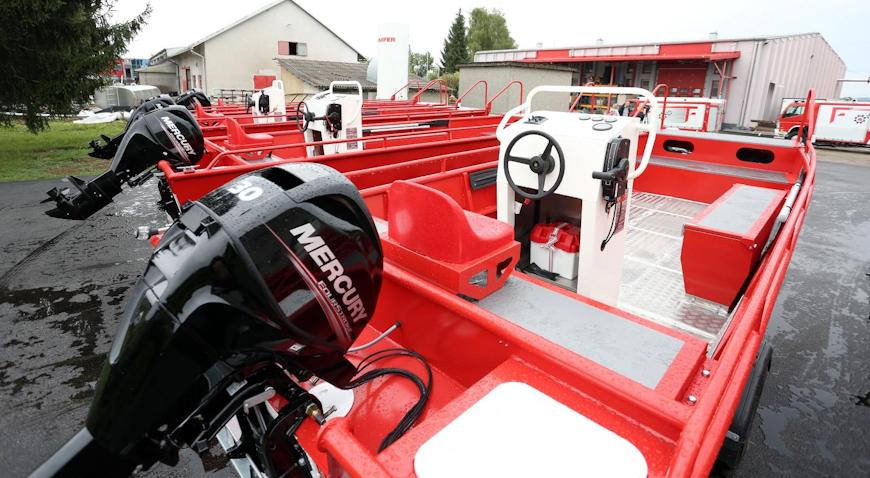 Hrvatska vatrogasna zajednica bogatija za pet novih vatrogasnih čamaca