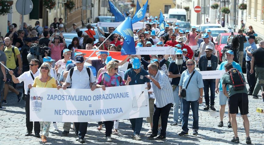 Ukoliko danas ne postignu dogovor, prosvjetari najavljuju štrajk do ispunjenja svih zahtjeva