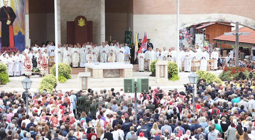 VIDEO: Procesijom i misnim slavljem obilježen blagdan Male Gospe u Mariji Bistrici