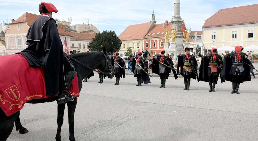 VIDEO: Kravat pukovnija obilježila Svjetski dan turizma
