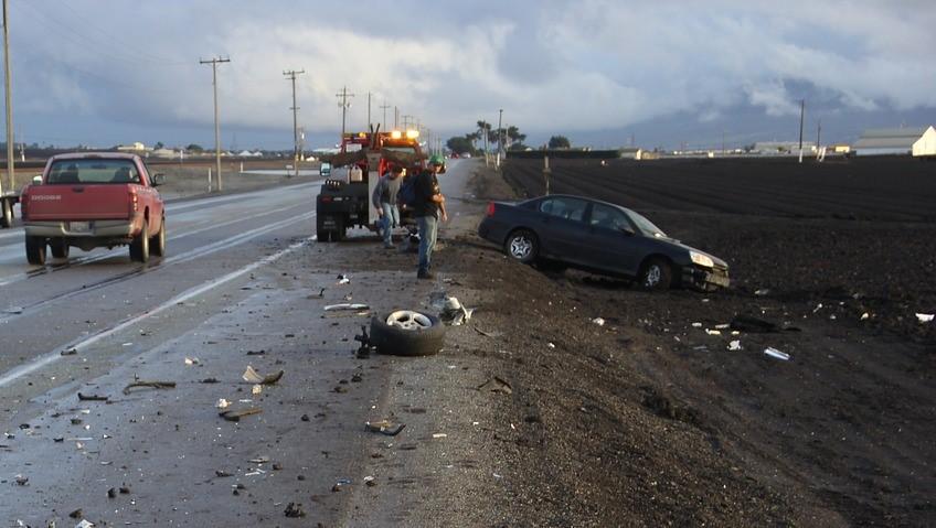 PROMETNA U MOLVICAMA – Uslijed slijetanja vozila teško ozlijeđene dvije osobe