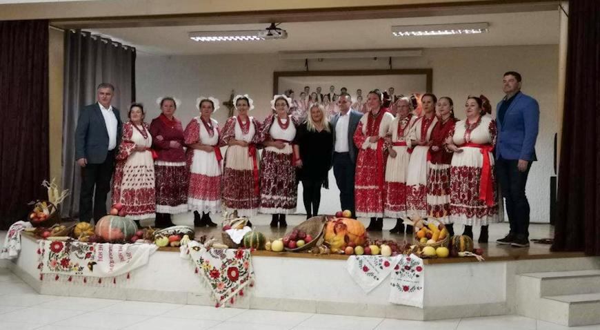 FOTO: Sjajna folklorna večer u Bukevju