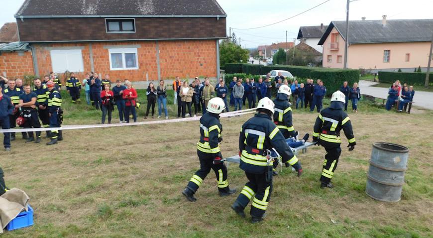 FOTO: Zelinski vatrogasci pokazali svoju spremnost