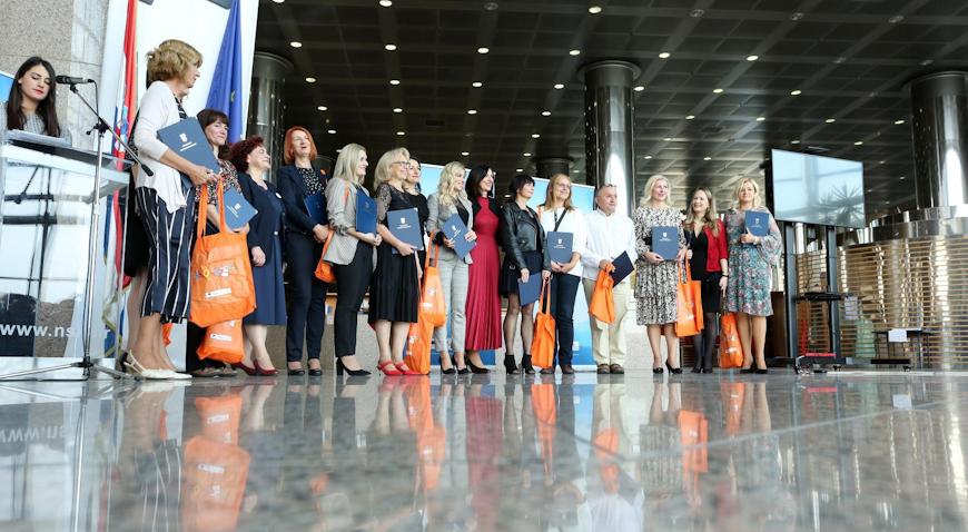 Ministrica Blaženka Divjak uručila priznanja najuspješnijim odgojno-obrazovnim radnicima