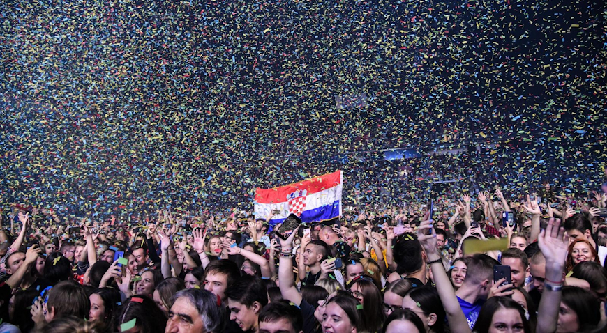 FOTO: Sjajna atmosfera vlada na koncertu Prljavog kazališta