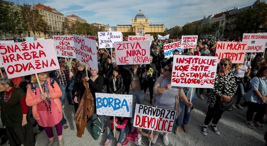 FOTO: Tisuće prosvjednika izašle na ulice u znak podrške žrtvama seksualnog nasilja