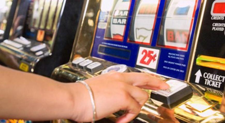 """NEDOZVOLJENA IGRA – U lokal bez odobrenja postavili automat za igru na sreću i zarađivali """"laku"""" lovu"""