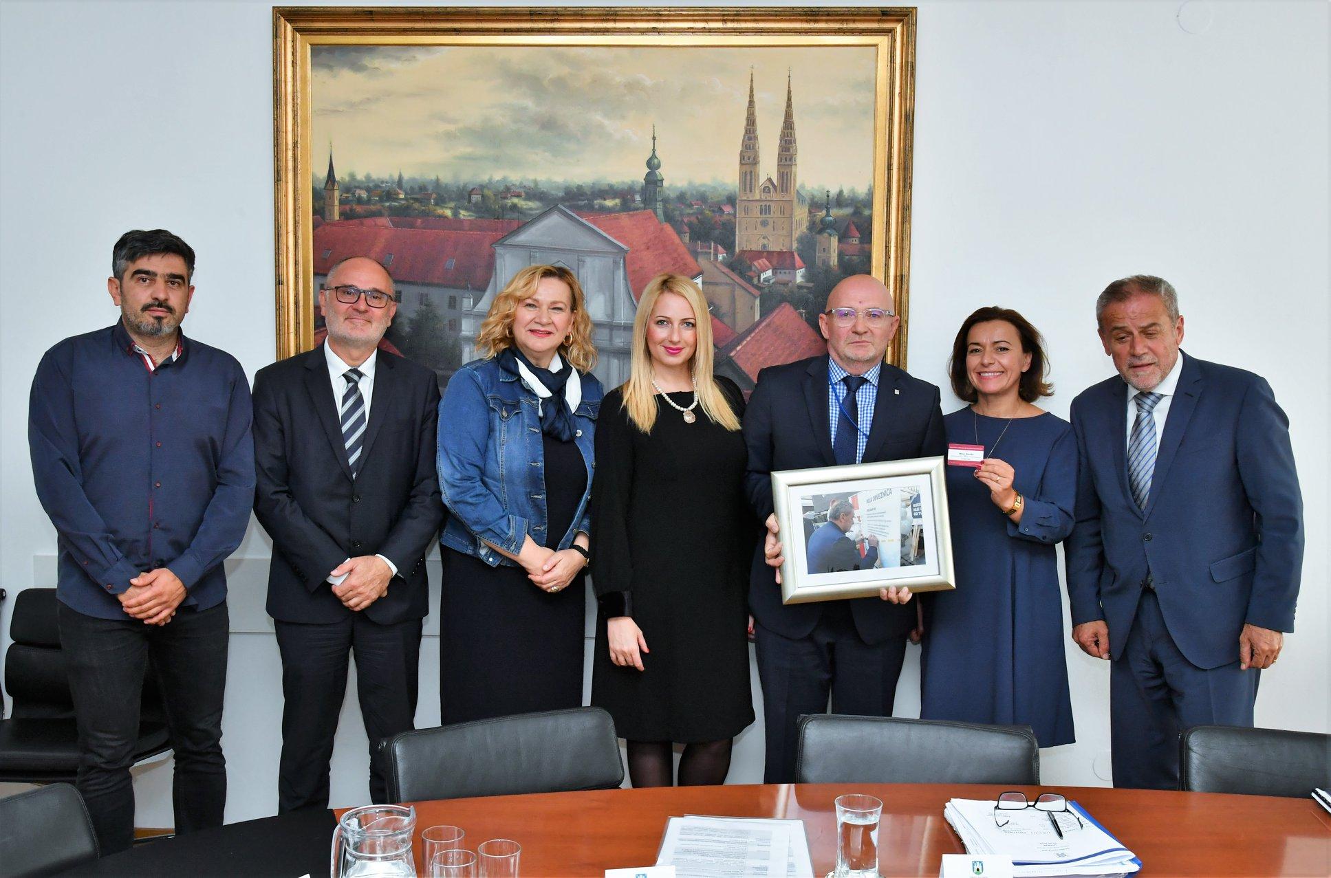 Ususret Danu bez mobitela u prometu, zagrebački gradonačelnik primio delegaciju HUMS-a
