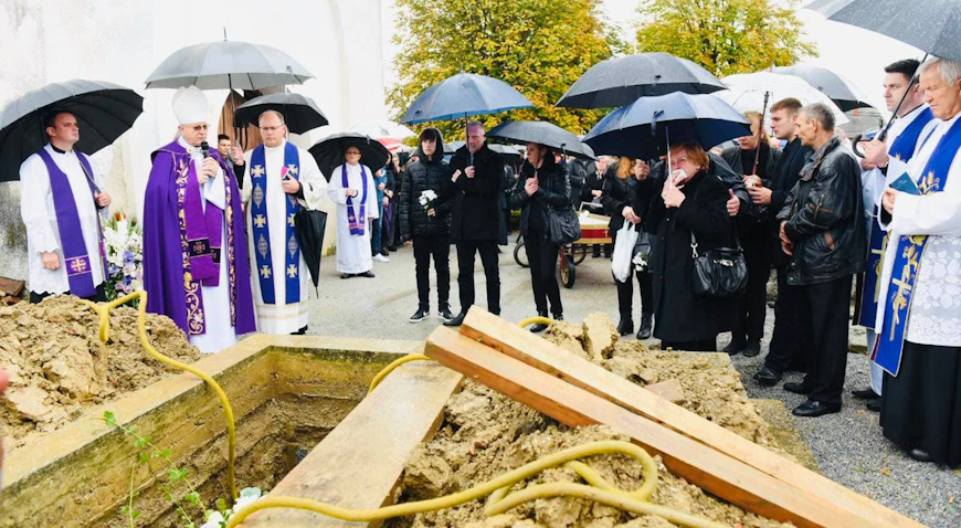 FOTO: Dubrava se oprostila od velečasnog Ivana Žnidarca