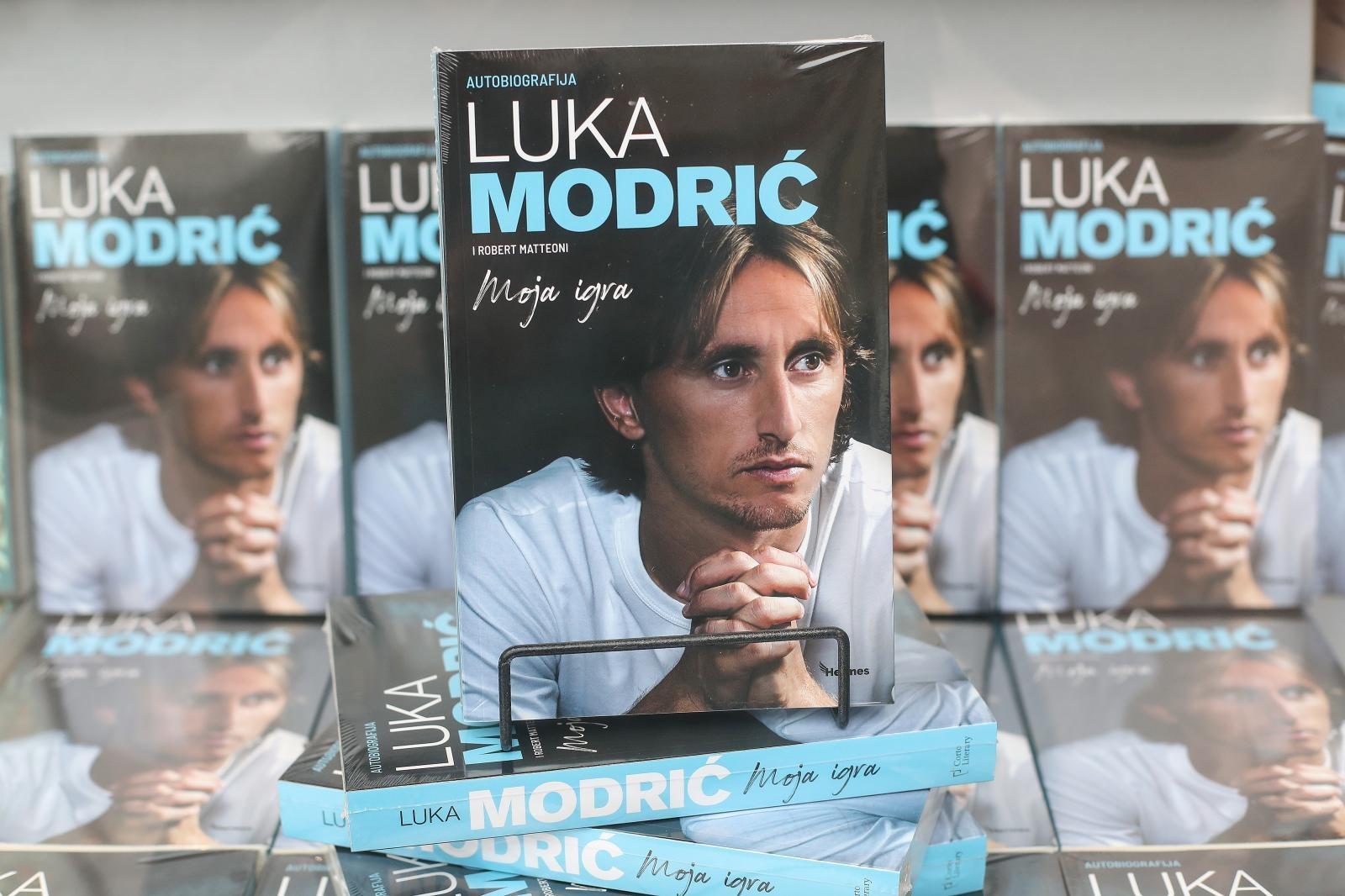 """Autobiografija Luke Modrića """"Moja igra"""" od danas u prodaji po cijeloj Hrvatskoj"""