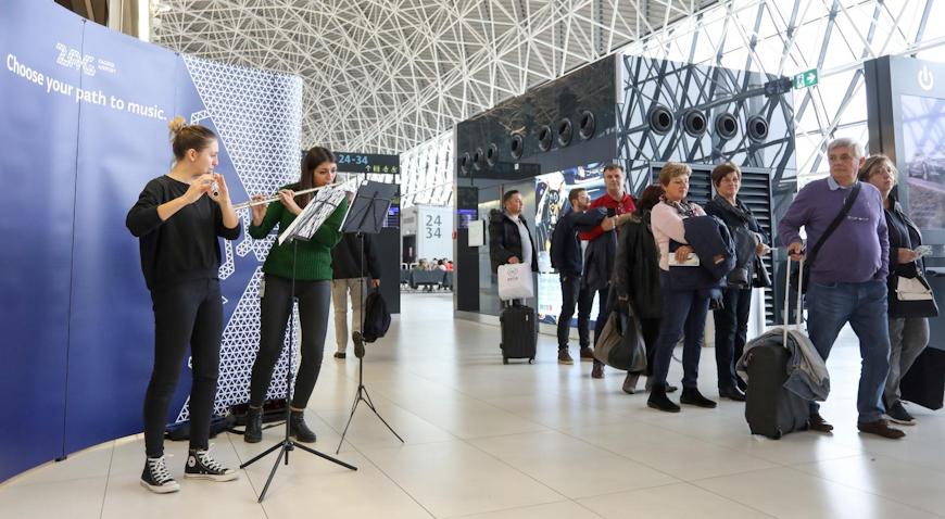 VIDEO: Mlade flautistice uveseljavale putnike u zračnoj luci Franjo Tuđman