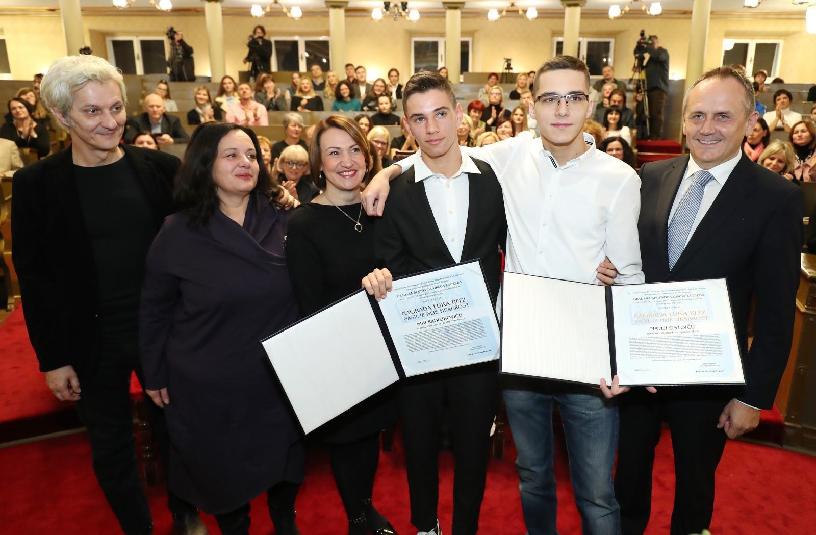 Niko Radujković i Matija Ostoić, dobitnici ovogodišnje Nagrade Luka Ritz – Nasilje nije hrabrost