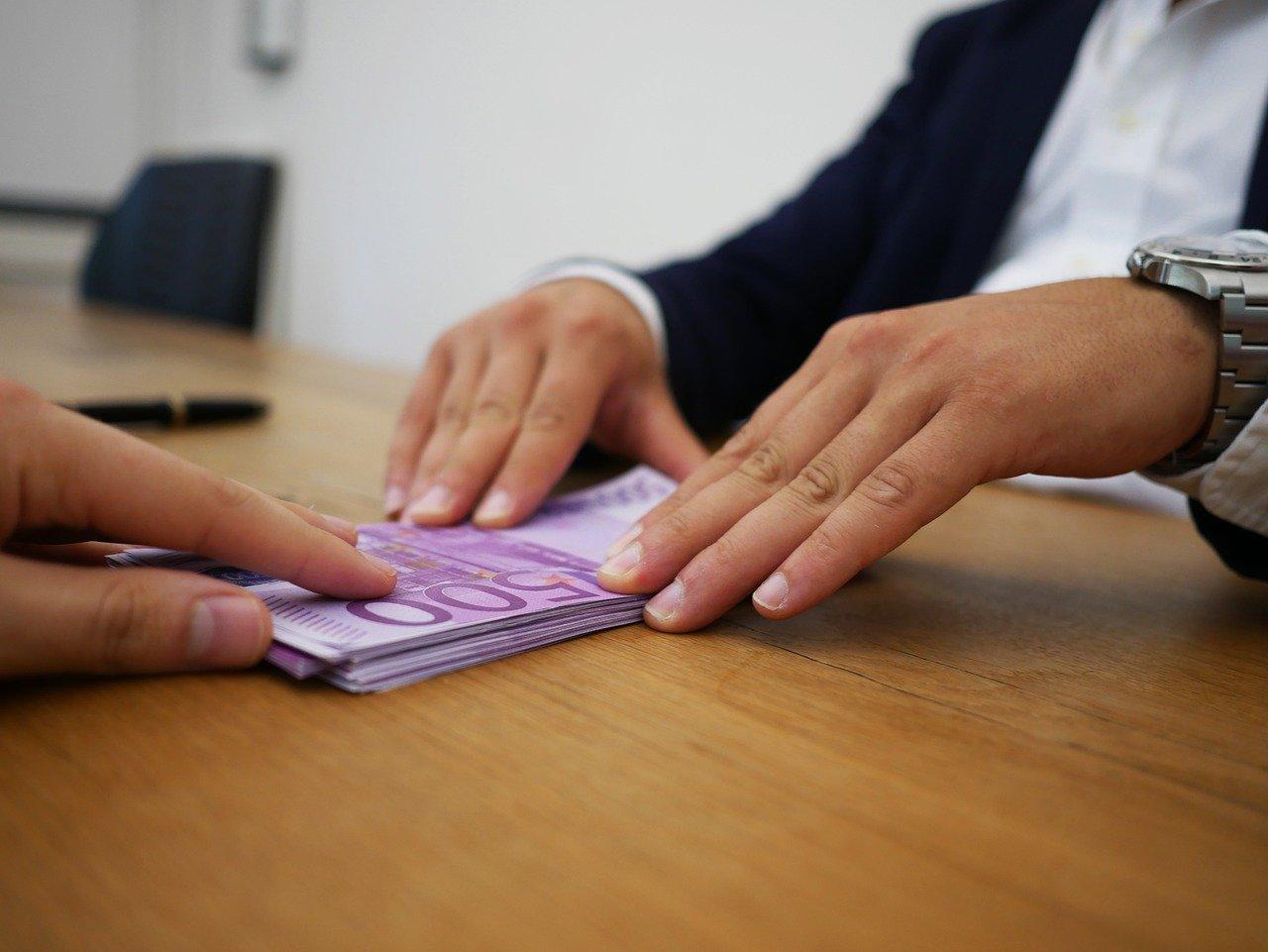 Krivotvorio platne liste da bi mogao podići kredit u banci