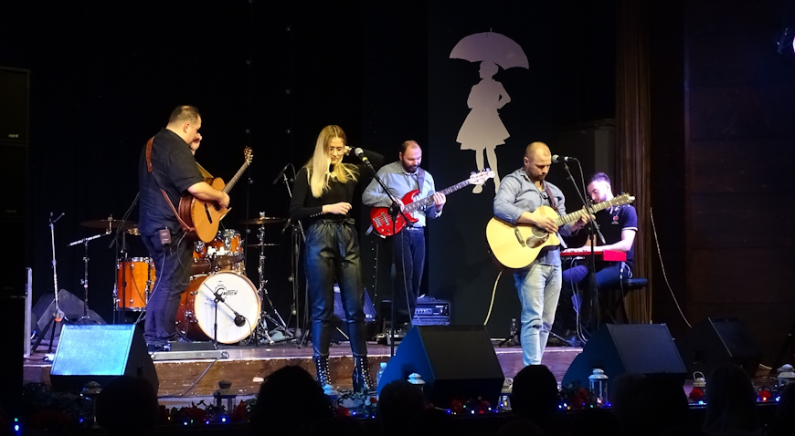 FOTO: Zaprešićani uživali u koncertu duhovne glazbe uz Alana Hržica i Vannesu Mioč