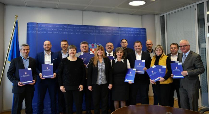 Ministarstvo regionalnog razvoja i fondova Europske unije dodijeljeno više od 9,8 milijuna kuna za realizaciju projekata u Zagrebačkoj županiji