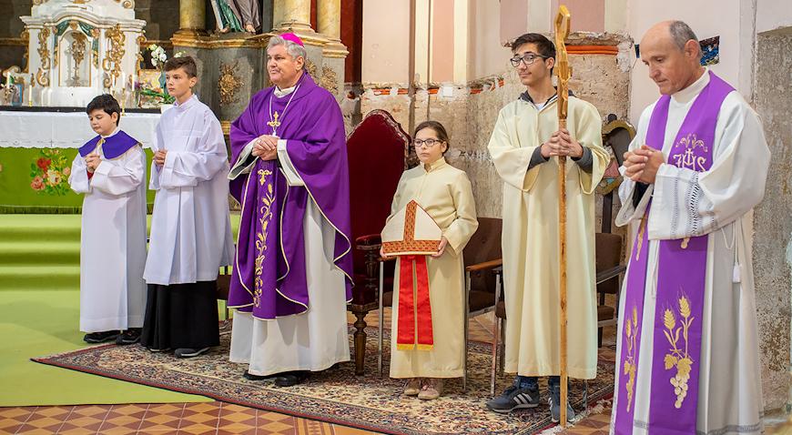 Biskup Vlado Košić pohodio župu u Oborovu