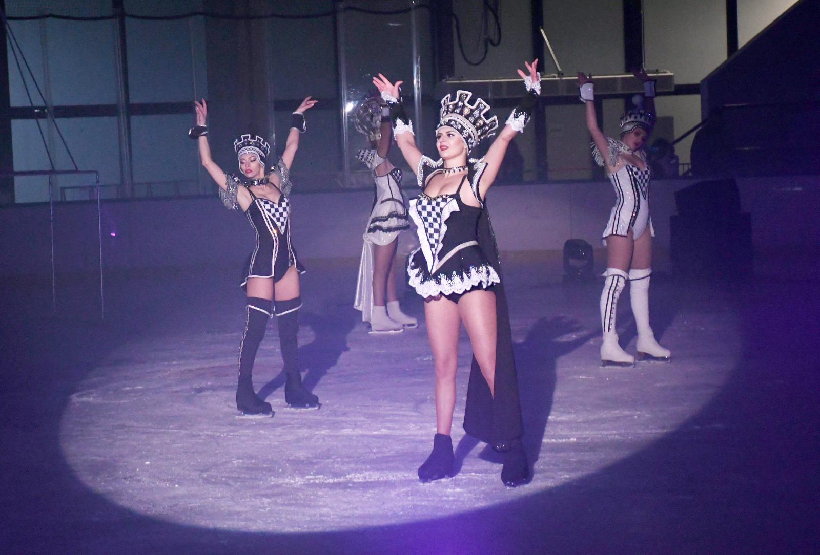 VIDEO: Bajka na ledu koja oduzima dah – Međunarodni cirkus GRAND oduševio sisačku publiku