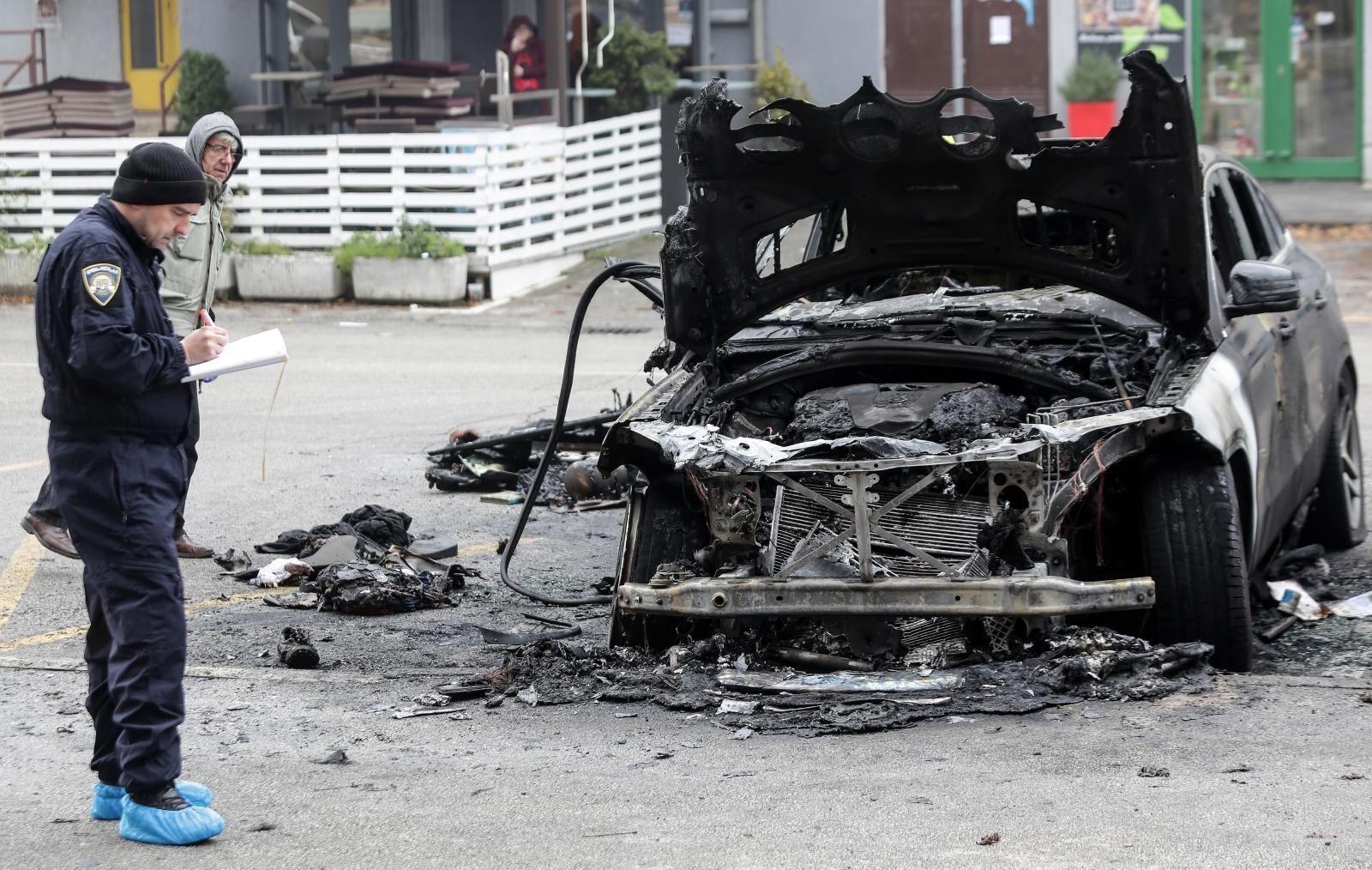Tijekom noći na Laništu ponovno gorjeli automobili