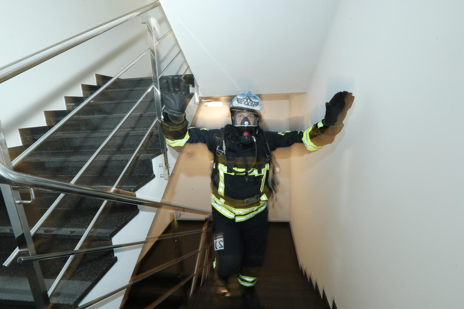 VIDEO: U Zagrebu održana sedma u nizu humanitarna vatrogasna utrka stepenicama