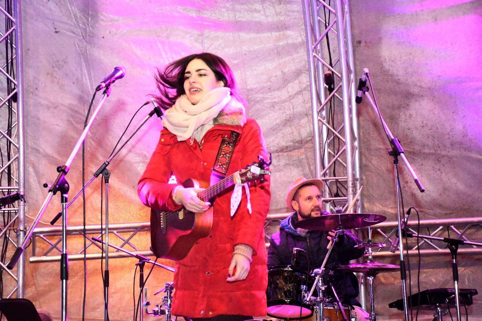VIDEO: Mia Dimšić otvorila ovogodišnju Koprivničku božićnu bajku