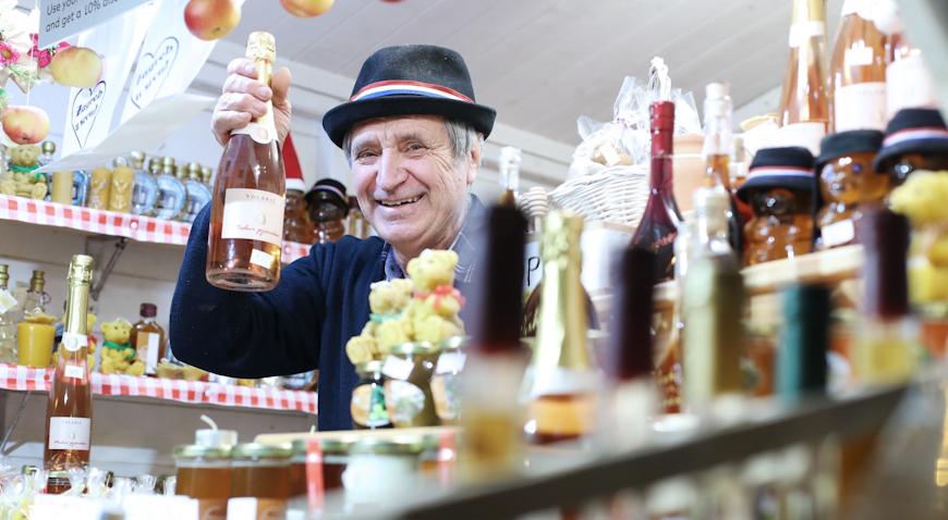 VIDEO: Medni šampanjac Dragutina Volarića pravi je hit na Adventu u Zagrebu
