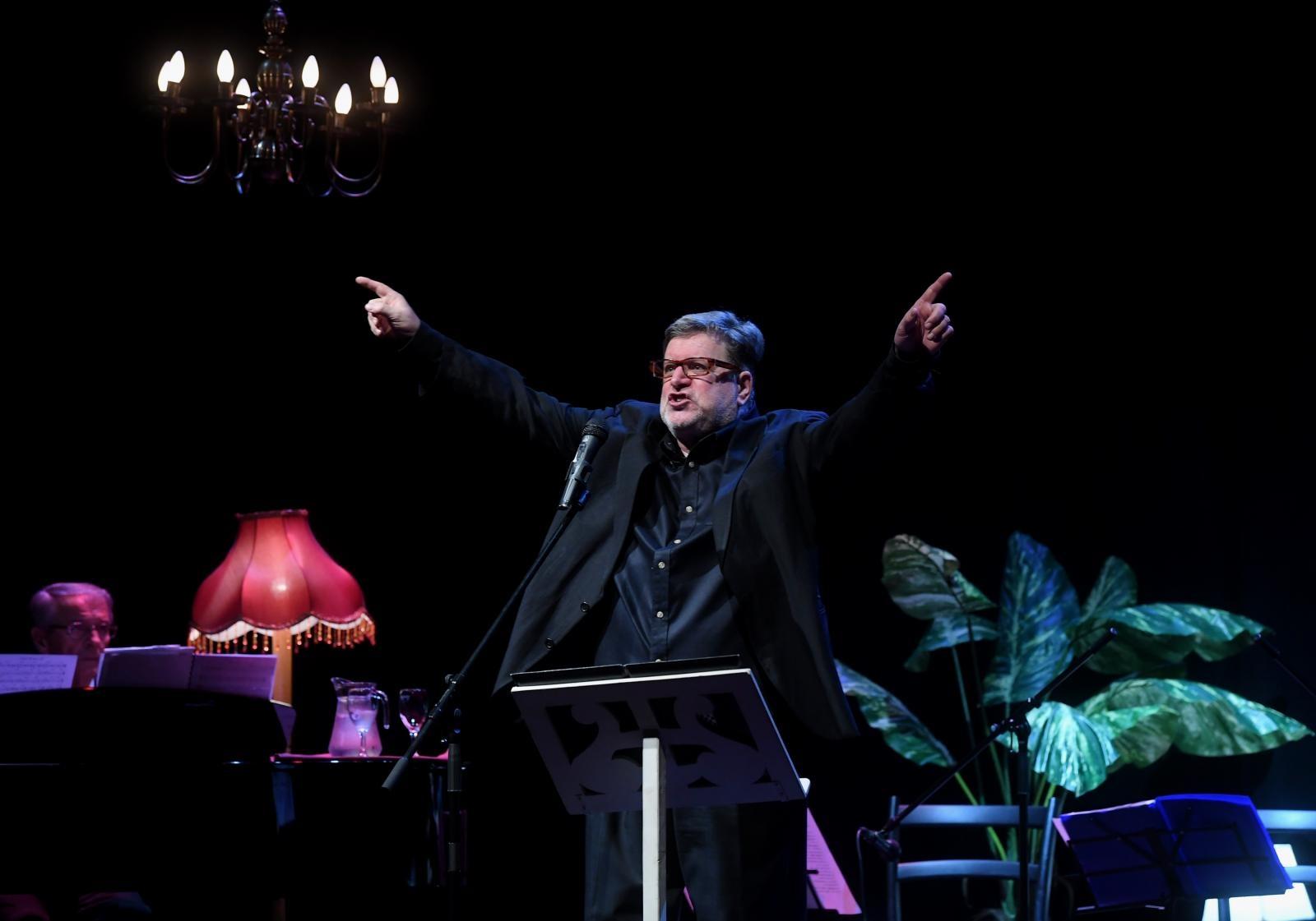 VIDEO: Spektakularnim koncertom Zlatko Vitez proslavio 50 godina umjetničkog djelovanja