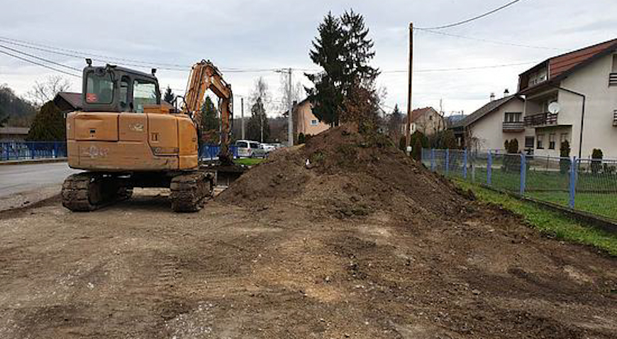 U Krašiću se izvode radovi na uređenju cesta i platoa