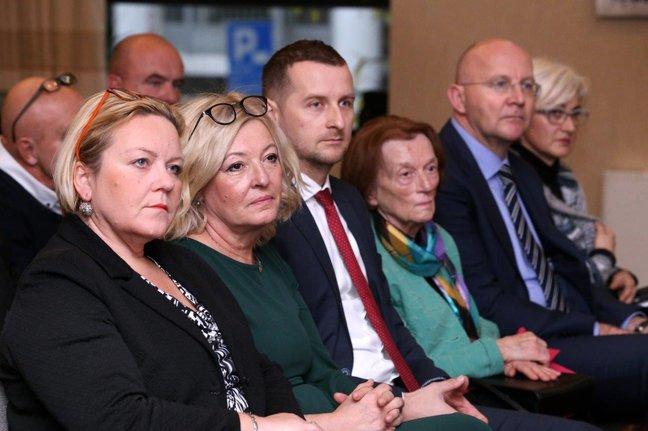 """Tribinom """"Zajedno u socijalnom partnerstvu"""" Županija obilježila Međunarodni dan osoba s invaliditetom, volontera i ljudskih prava"""