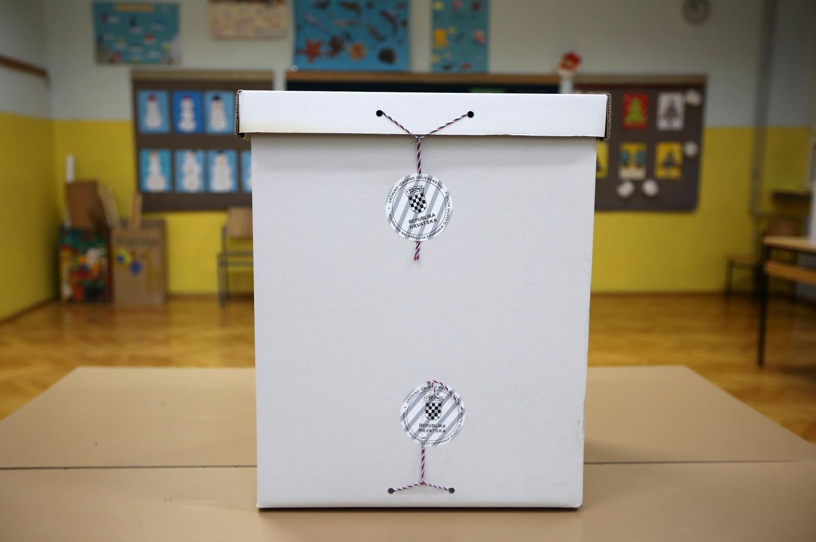 U poslijepodnevnim satima glasalo 43,52 posto građana