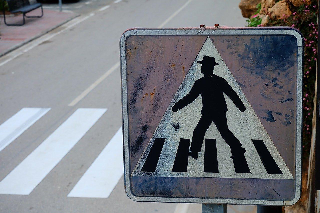 NESREĆA U CENTRU – Na pješačkom prijelazu teško ozlijeđena maloljetnica